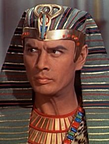 220px-yul_brynner_in_the_ten_commandments_film_trailer